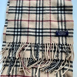 Burberry - The Classic Check Scarf